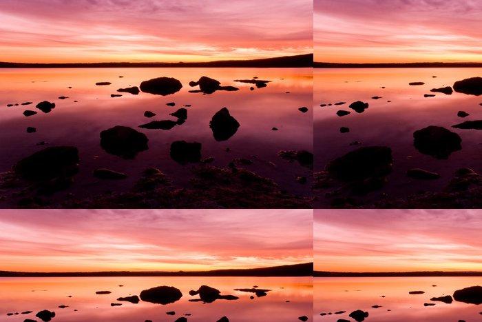 Tapeta Pixerstick Fialová idylické západ slunce nad mořskou vodou - Prázdniny