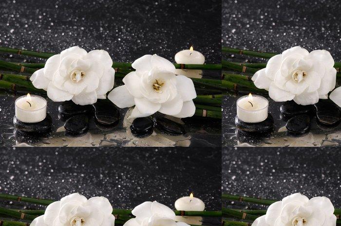 Tapeta Pixerstick Gardénie květ se svíčkou a bambusovém háji na mokru - Životní styl, péče o tělo a krása