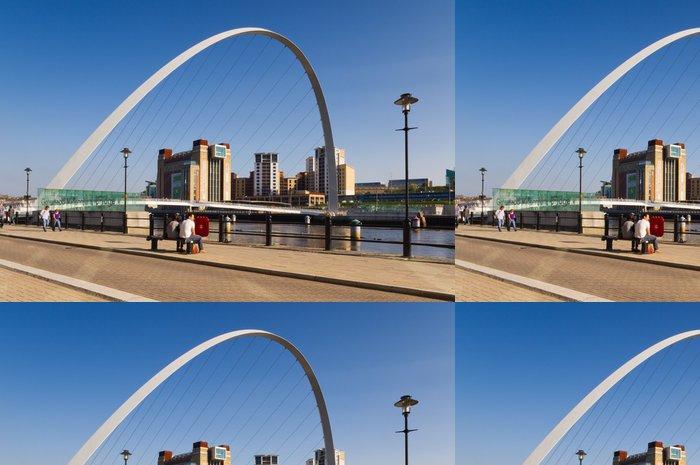 Tapeta Pixerstick Gateshead Millennium Bridge arch. - Prázdniny