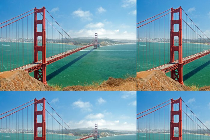 Tapeta Pixerstick Golden Gate Bridge v San Franciscu s krásným azurovým Océ - Amerika