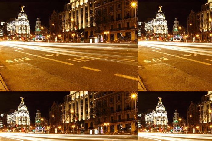 Tapeta Pixerstick Gran via ulici v Madridu, Španělsko v noci - Evropská města