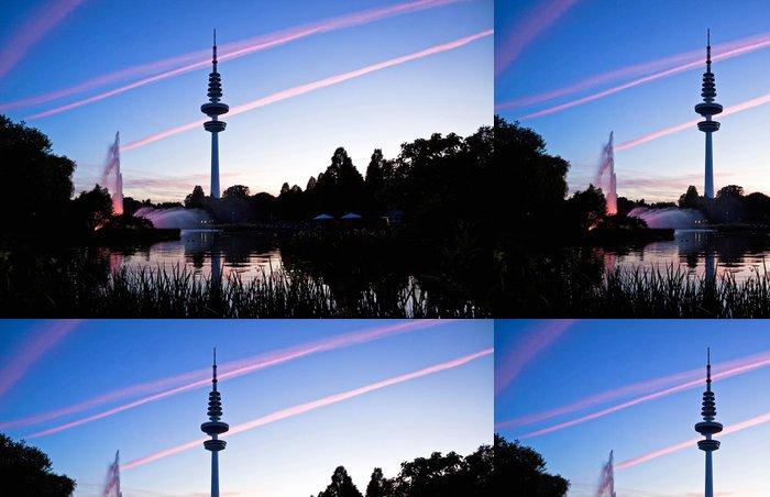 Vinylová Tapeta Hamburk televizní věž po západu slunce, Německo - Město