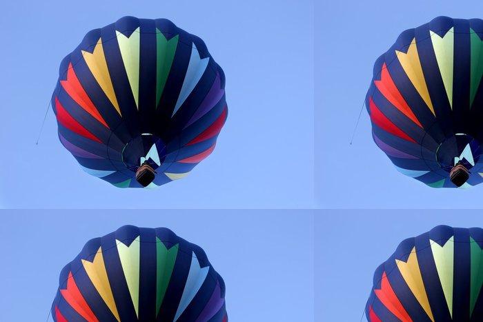 Tapeta Pixerstick Horkovzdušný balón v barvách duhy - Vzduch
