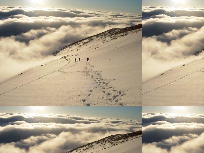 Tapeta Pixerstick Horolezci ve Vysokých Tatrách - Outdoorové sporty
