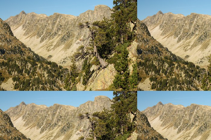 Tapeta Pixerstick Horský hřeben v Posets-Maladeta přírodního parku - Outdoorové sporty