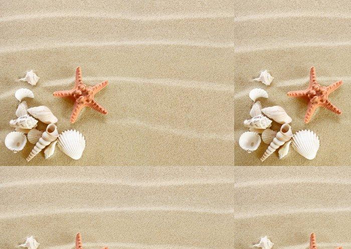 Tapeta Pixerstick Hvězdice a mušle na písečné pláži - Prázdniny