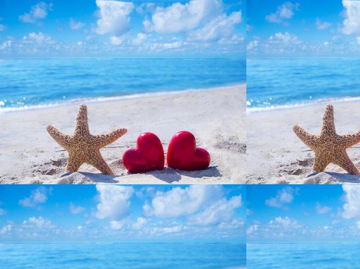 Tapeta Pixerstick Hvězdice se srdcem v blízkosti oceánu - Mezinárodní svátky