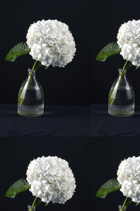 Tapeta Pixerstick Hydrangea květiny ve váze na černém - Květiny