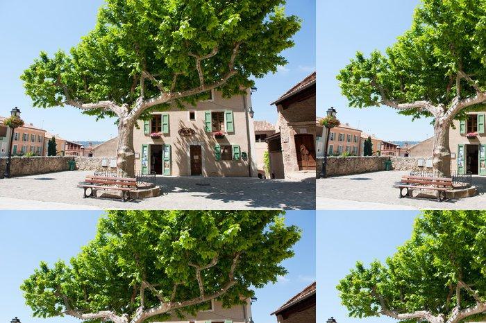 Tapeta Pixerstick Idylické square ve francouzské Provence - Město