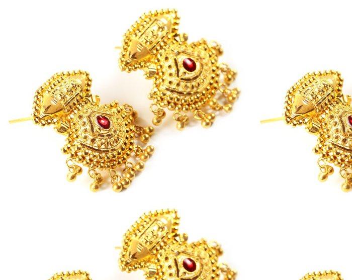 Tapeta Pixerstick Indické svatební náušnice pro nevěsty - Móda