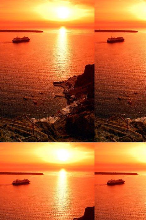 Tapeta Pixerstick Jeden z nejznámějších západy slunce v Santorini, Řecko, - Evropa