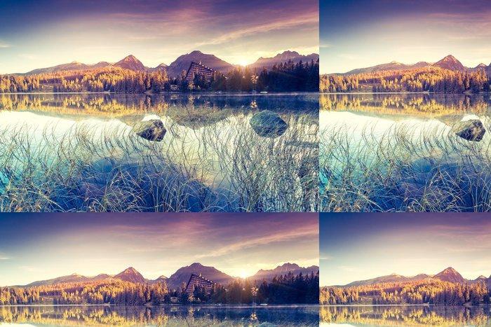Tapeta Pixerstick Jezero v horách - Evropa