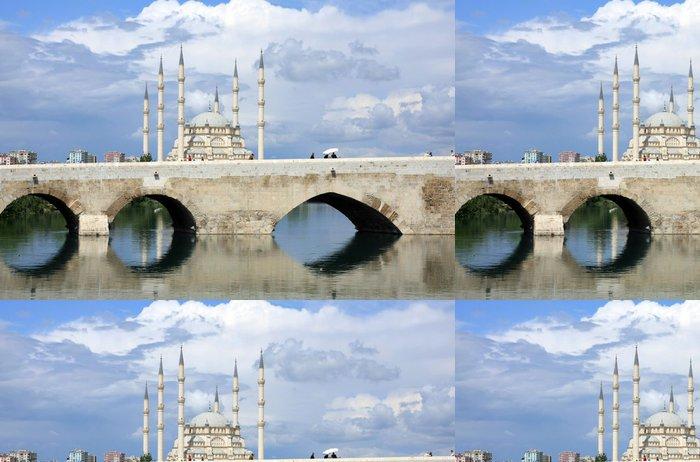 Tapeta Pixerstick Kamenný most a centrální mešita Sabanci Adana, Turecko - Střední Východ