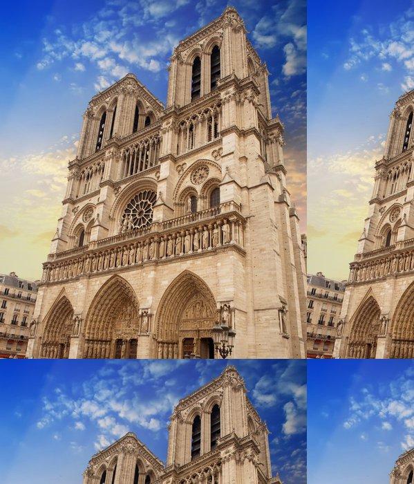Tapeta Pixerstick Katedrála Notre Dame v Paříži fasáda - Evropská města