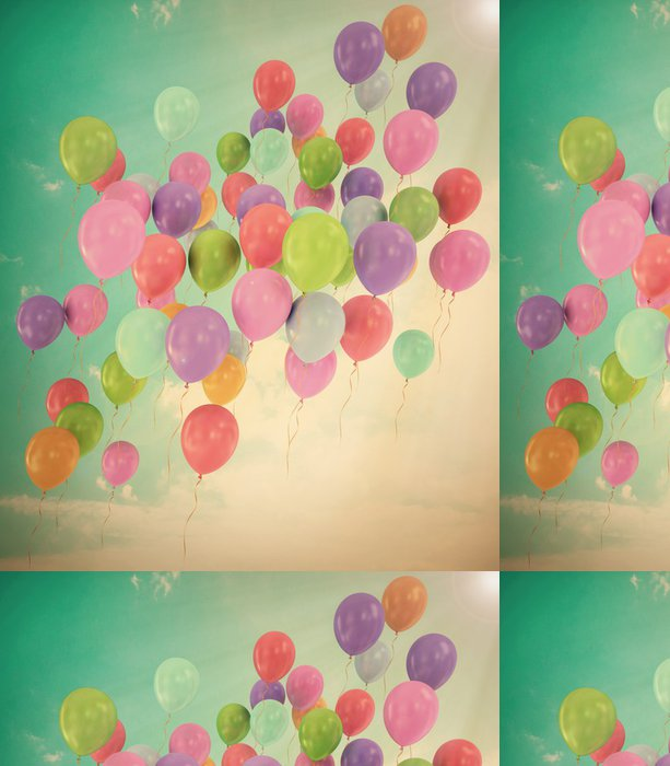 Tapeta Pixerstick Klasické létající balónky modré obloze s mraky - Nebe