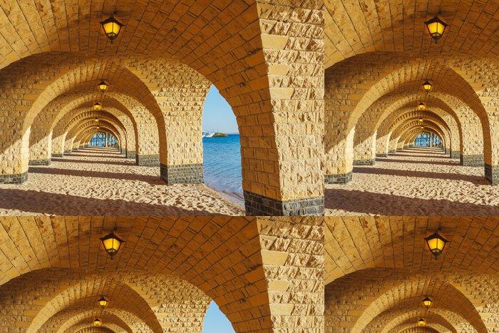 Tapeta Pixerstick Klenutý kamenný kolonáda s lucernami - Témata