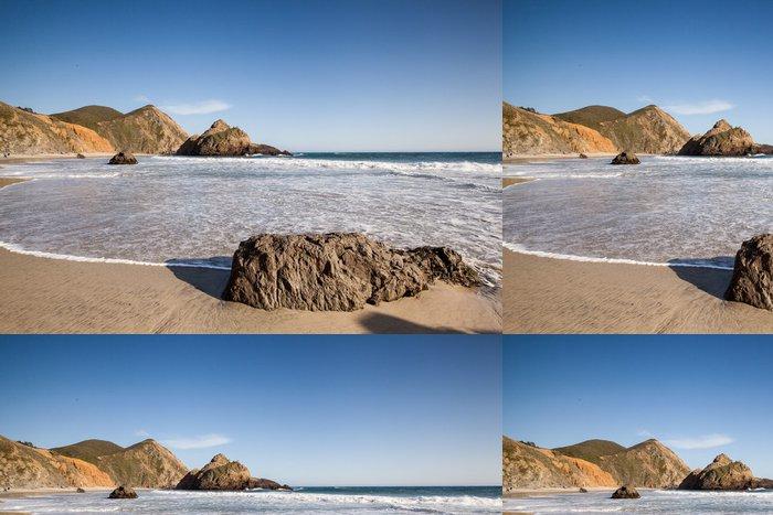 Tapeta Pixerstick Klidné pláže v Pfeiffer State Beach - Amerika