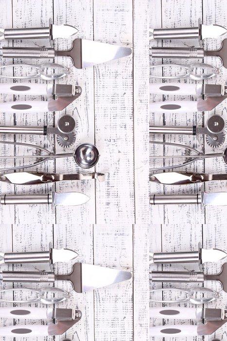 Tapeta Pixerstick Kovové kuchyňské nádobí na stůl close-up - Témata