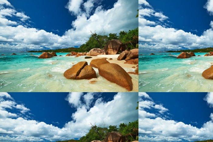 Tapeta Pixerstick Krásná pláž na Seychely - Prázdniny