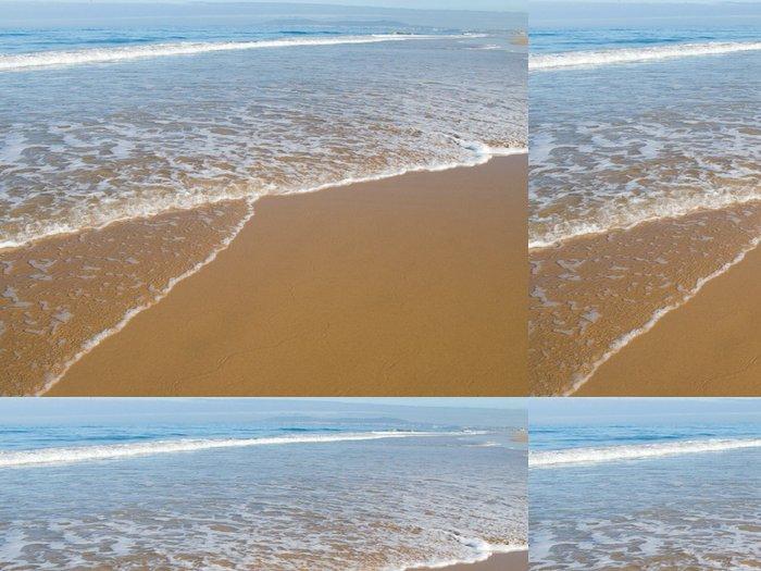 Tapeta Pixerstick Krásná pláž v létě s jasnou modrou oblohu. - Voda