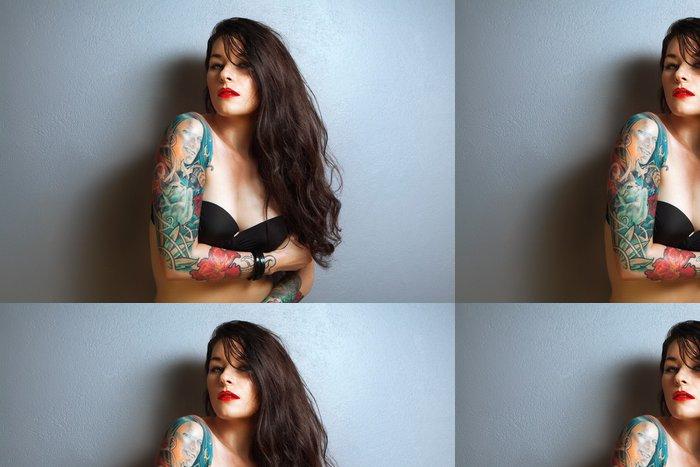 Vinylová Tapeta Krásná sexy tetovaný žena s elegantní make-up, - Tetování