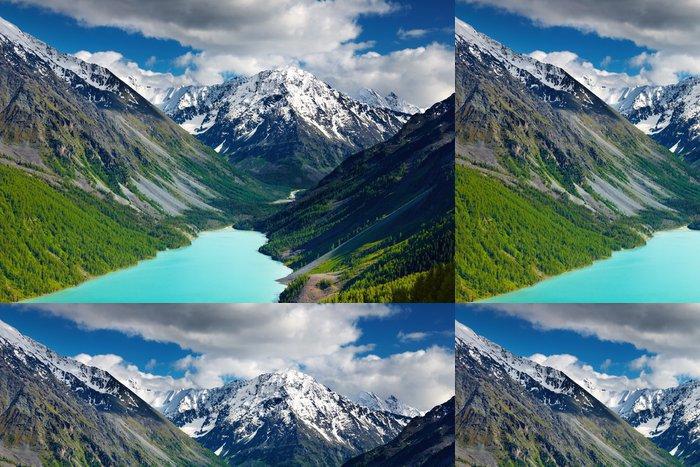 Tapeta Pixerstick Krásná tyrkysové jezero v pohoří Altaj - Nebe