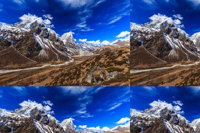 Tapeta Pixerstick Krásné alpské scenérie v Himalájích - Témata