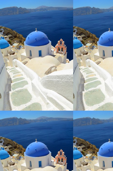 Vinylová Tapeta Krásné modré klenuté církve ve vsi Oia, Santorini - Thira, cyclade - Evropa