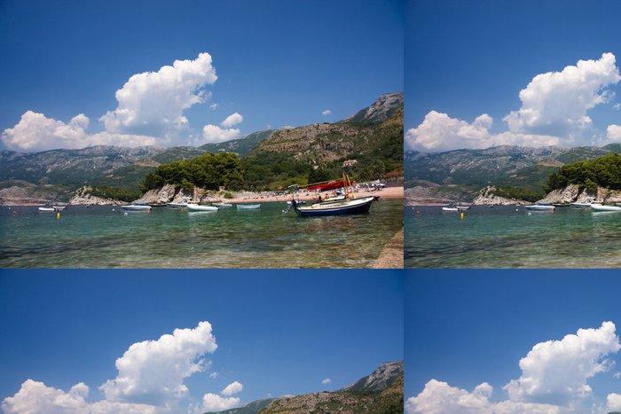 Tapeta Pixerstick Krásné pobřeží Středozemního moře. Sveti Stefan. Milocher parku - Evropa