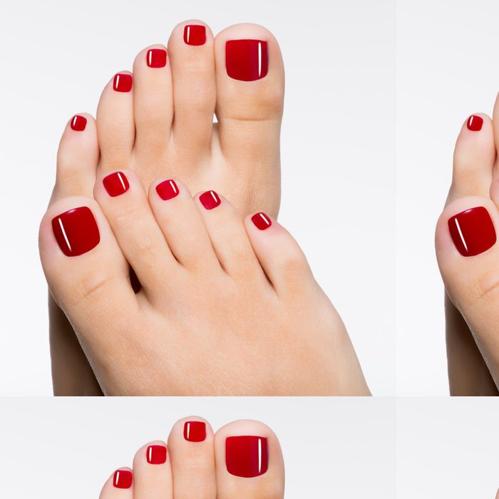 Tapeta Pixerstick Krásné ženské nohy s červeným pedikúru - Životní styl, péče o tělo a krása