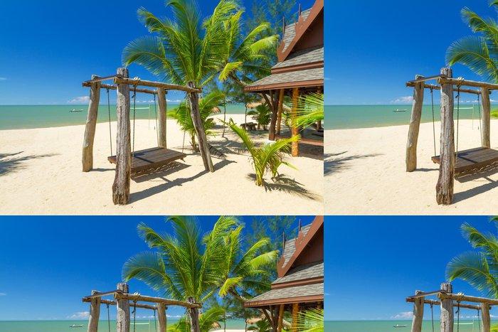 Tapeta Pixerstick Krásnou tropickou pláž s kokosové palmy strom v Thajsku - Prázdniny