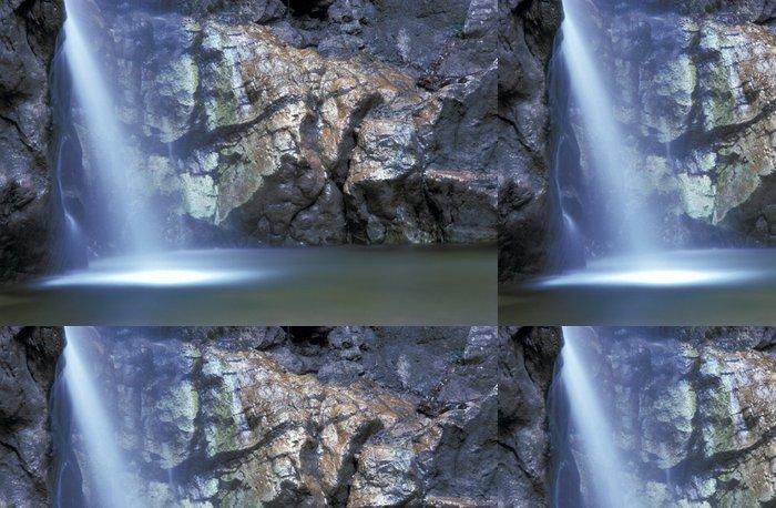 Tapeta Pixerstick Krásný vodopád - Přírodní krásy