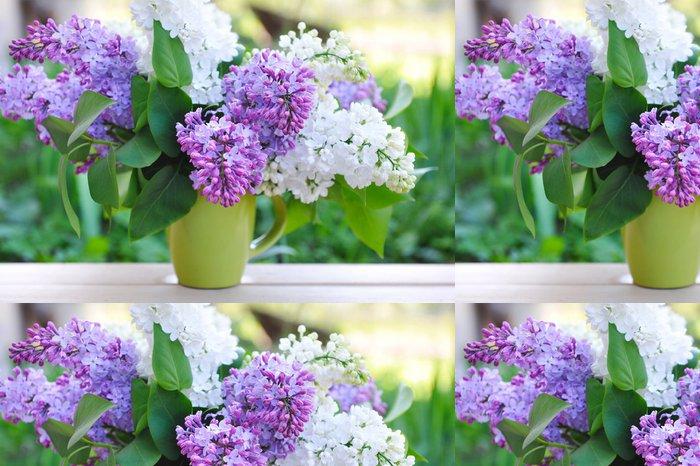 Tapeta Pixerstick Kytice šeříku na přírodní pozadí - Květiny