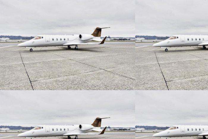 Tapeta Pixerstick Learjet firemní profil letadla na asfaltu - Vzduch