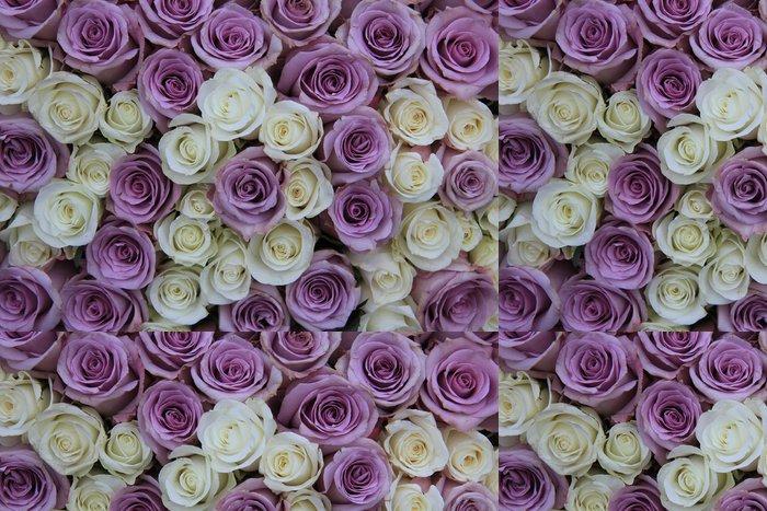 Vinylová Tapeta Lila a bílé růže v aranžování květin - Květiny