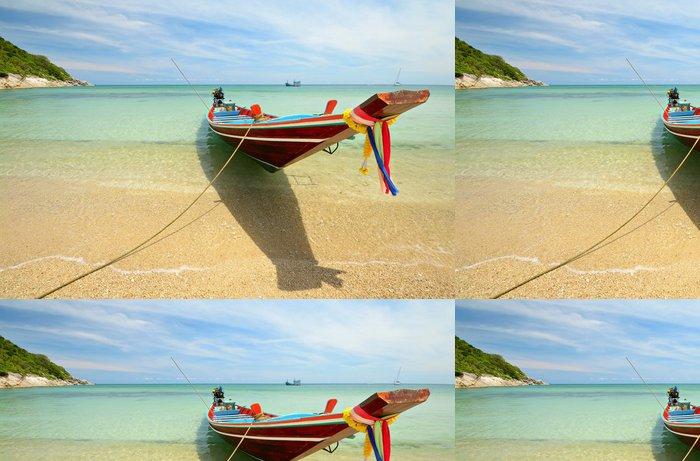 Tapeta Pixerstick Loď plovoucí na průhlednou vodou - Prázdniny
