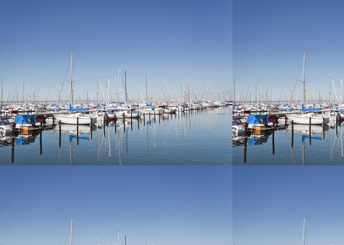 Tapeta Pixerstick Lodě v přístavu - Voda