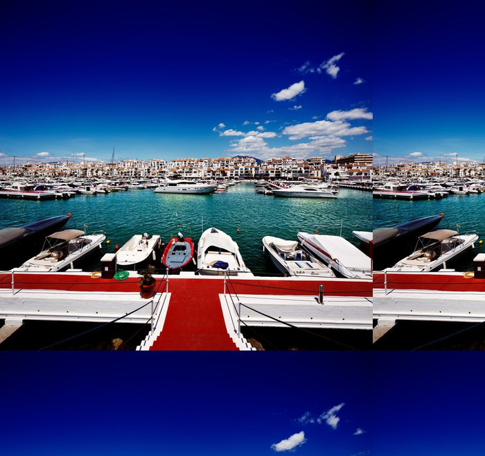Vinylová Tapeta Luxusní jachty a motorové lodě v Puerto Banus ve městě Marbella, Španělsko - Témata