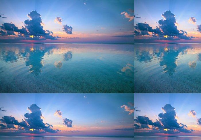 Tapeta Pixerstick Magie oranžové slunce nad mořem - Voda
