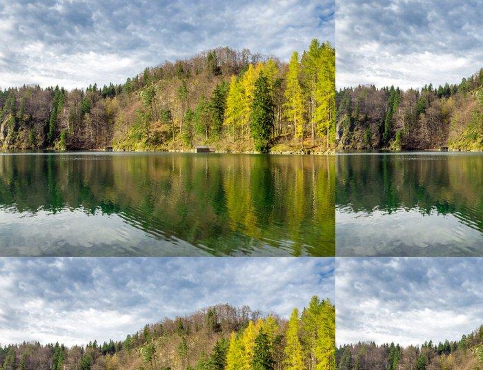 Tapeta Pixerstick Malebný výhled na jezero - Roční období