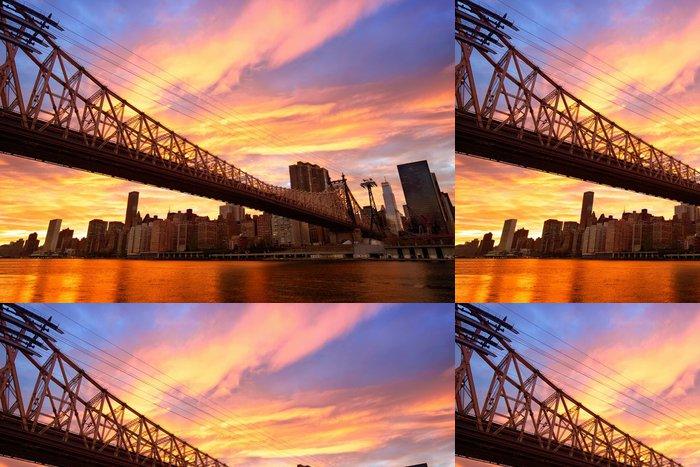 Tapeta Pixerstick Manhattan skyline a Queensboro most při západu slunce, New York - Témata