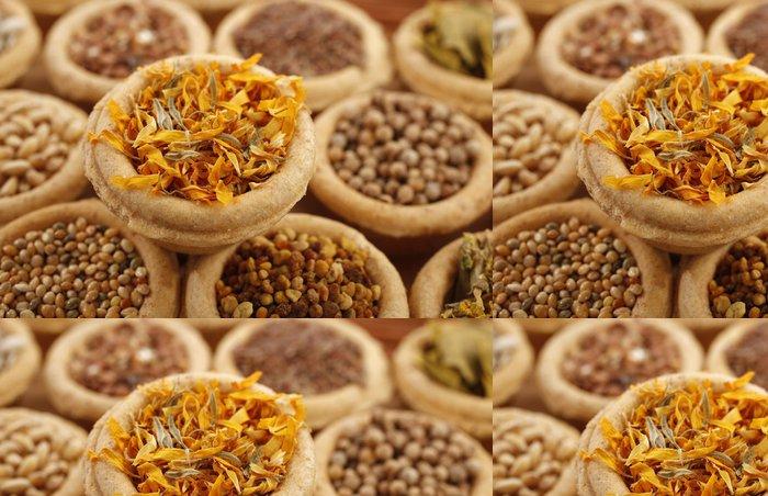 Tapeta Pixerstick Marigold plátky sušené a jiná koření - Jídla