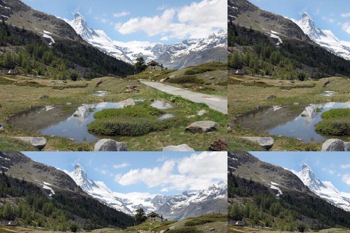 Tapeta Pixerstick Matterhorn nad cestu a potok ve švýcarských Alpách - Evropa