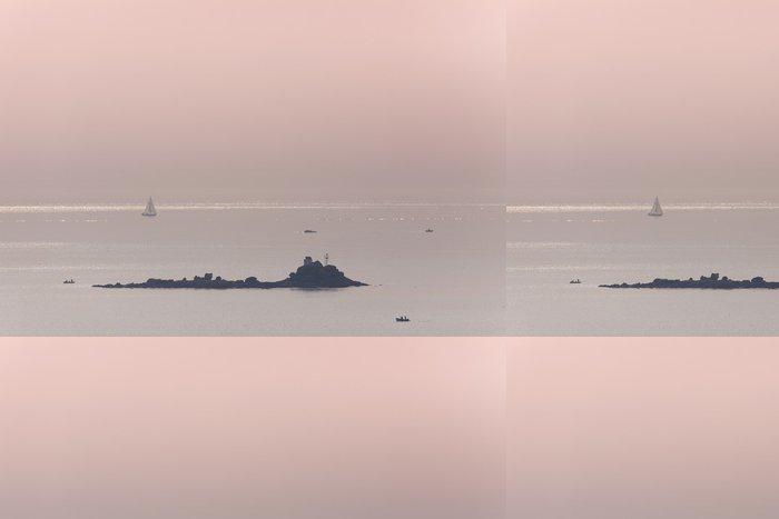 Tapeta Pixerstick Mer océan voilier naviguer calme rocher růže mlčení Marin - Voda