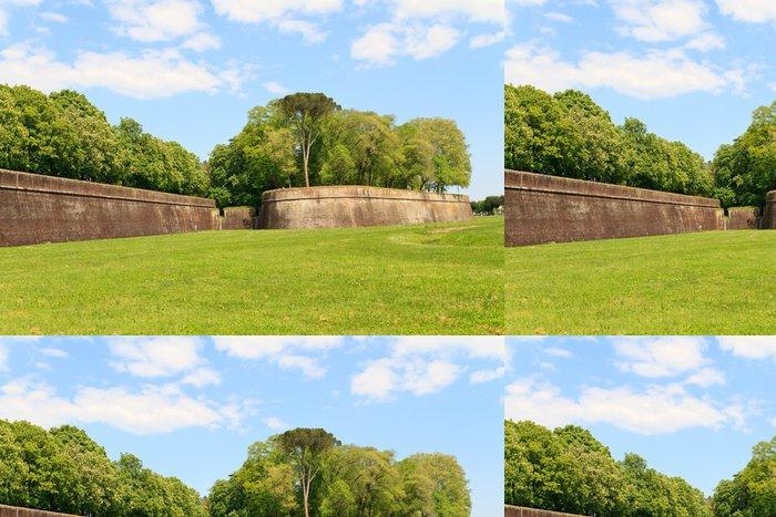 Vinylová Tapeta Město Lucca stěna opevnění na jaře, Toskánsko, Itálie - Evropa