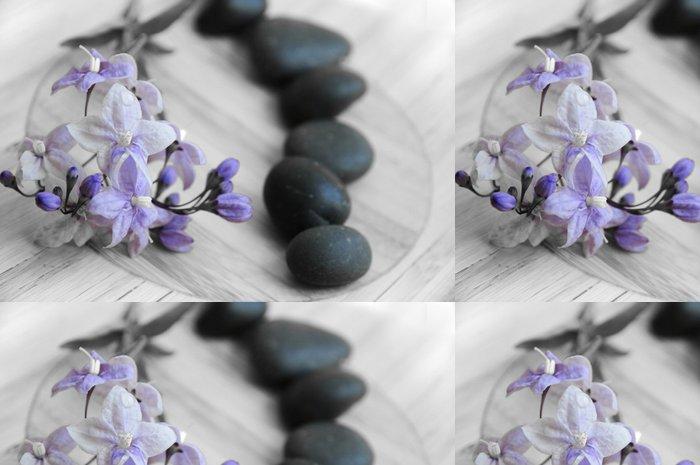 Vinylová Tapeta Modré květy a černé oblázky - Struktury