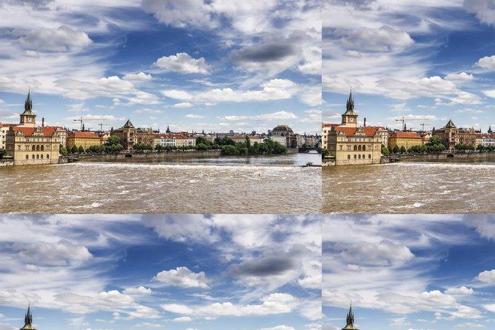 Tapeta Pixerstick Moldau und Himmel - Evropská města