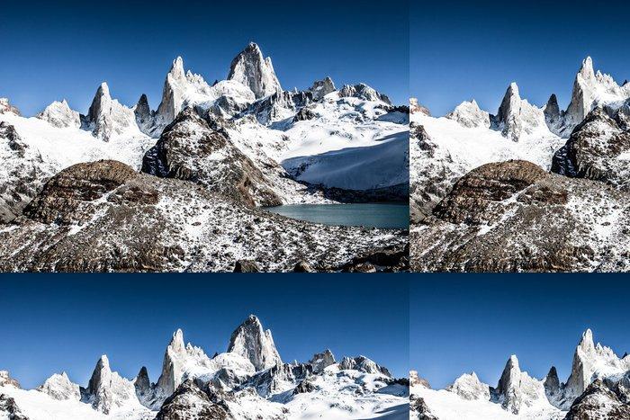 Tapeta Pixerstick Mt Fitz Roy v národním parku Los Glaciares, Patagonie, Argentina - Amerika
