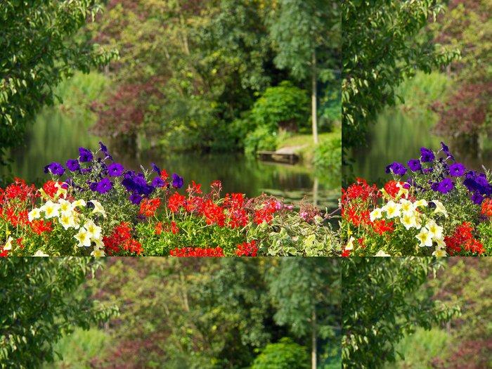 Tapeta Pixerstick Na řece - Květiny