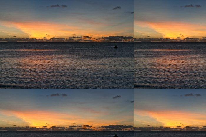 Tapeta Pixerstick Nádherný západ slunce na tropickém ráji písčité pláže - Voda